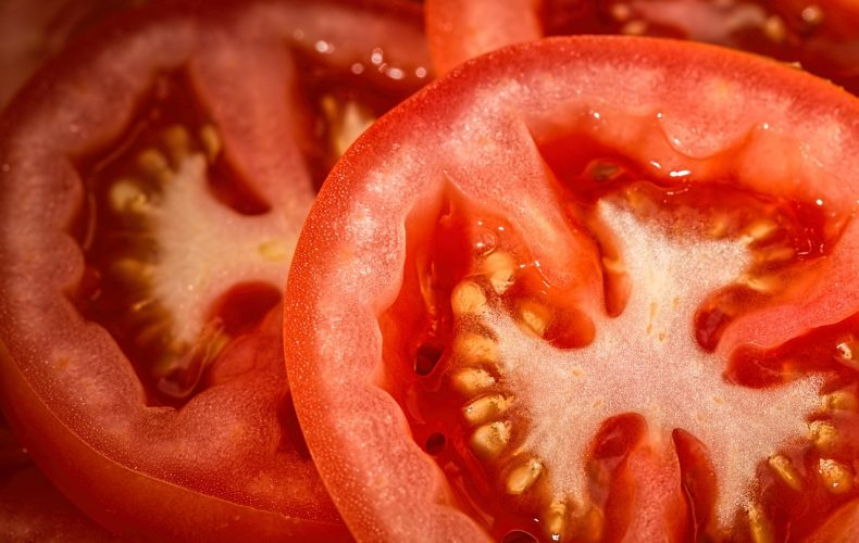 Tomato Salad Recipe- A Great Dish to Take to a Picnic!